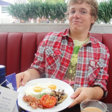 Cabbage with his brunch in Carluccio's