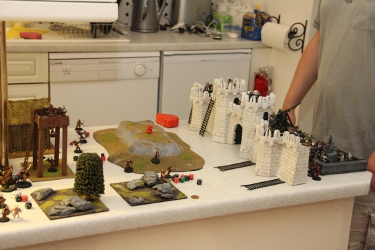 Playing the LotR strategy game